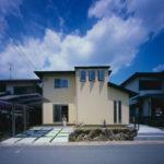 01:中古住宅のお家をリノベーションして新築同様の外観に生まれ変わりました