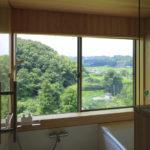 05:お風呂の壁は桧を使い安らぎがあります
