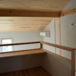 11:2階ホールにもカウンターを設置。 ホール吹抜けに設置する事でリビングとのつ ながりを2階まで感じる事が出来ます