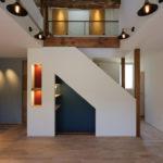 2:②一段下がった階段下キッズスペース。秘密基地のような空間。