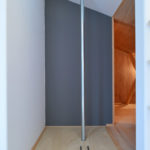 ⑤遊び心のあるすべり棒。寝室からキッチンへ一直線