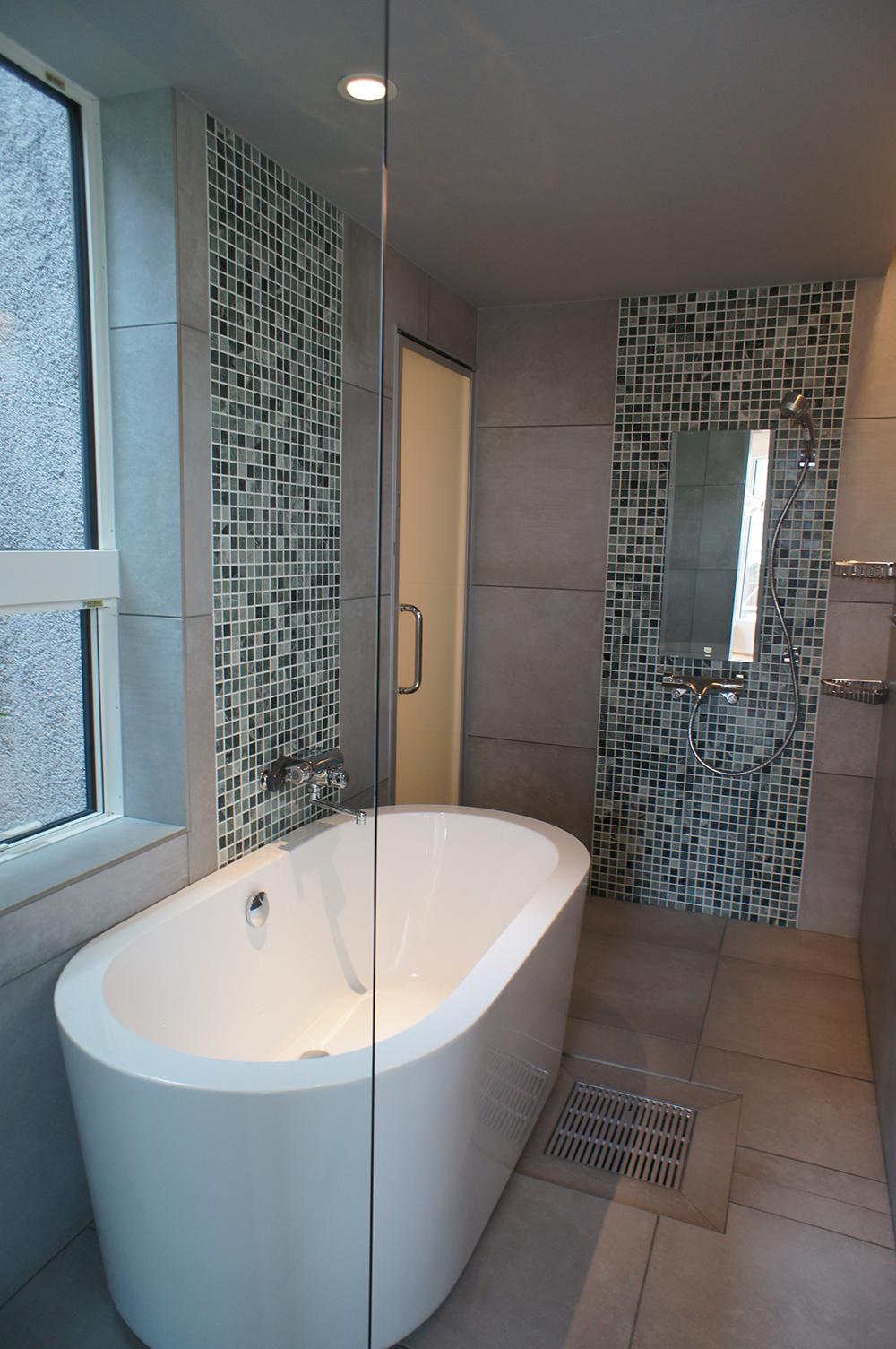 注文住宅 新築 姫路市 ADHOUSE お風呂 浴室 在来工法 坪庭 ユニットバス