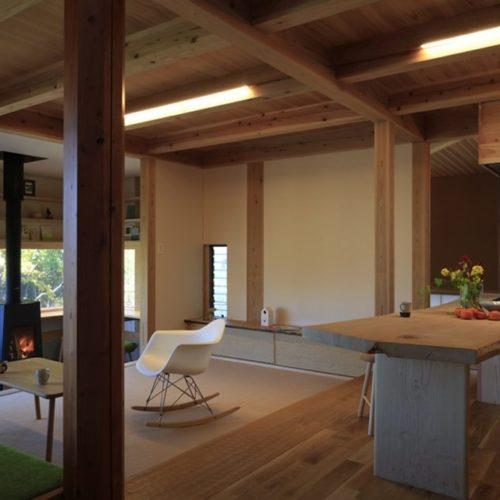 里山の木の家 リビング03