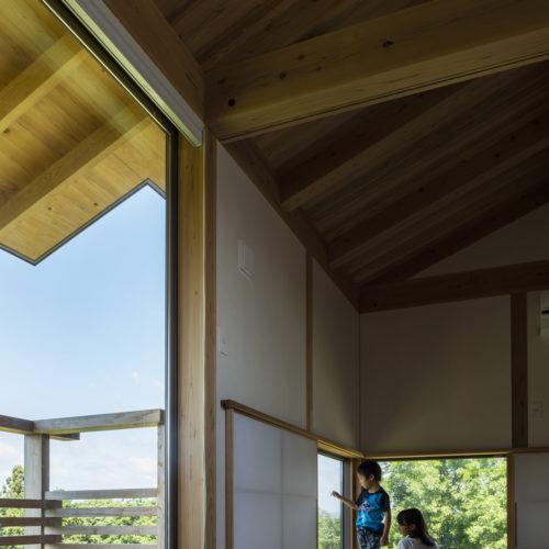 地形を生かした木の家 和室