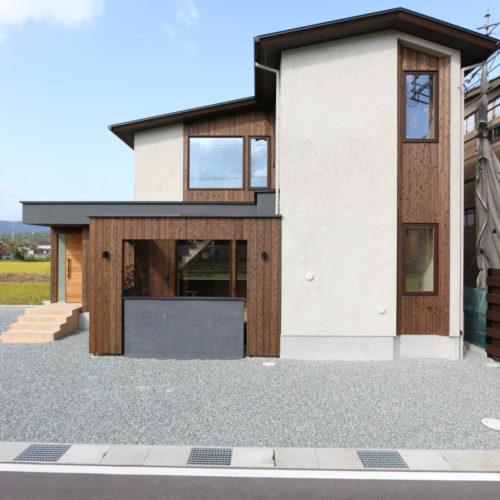 開放的なリビングの家 外観