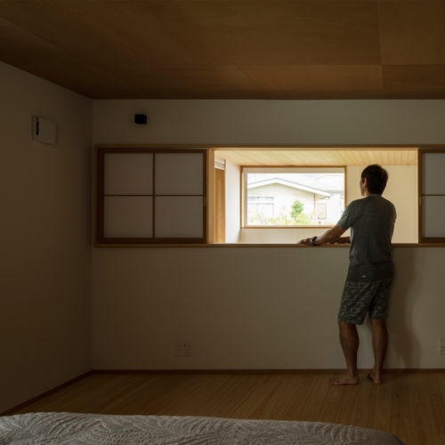 逆瀬川の家 寝室からの眺め
