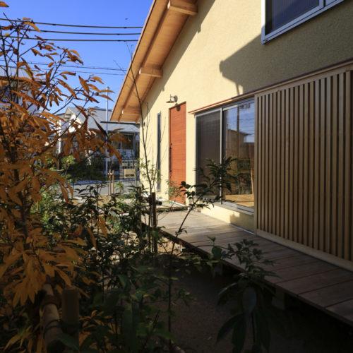 里山の木の家 外観03