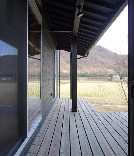 自然素材の家 ウッドデッキ