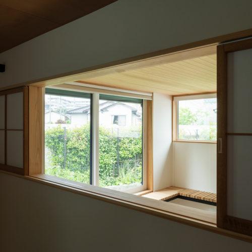 逆瀬川の家 寝室からの眺め03