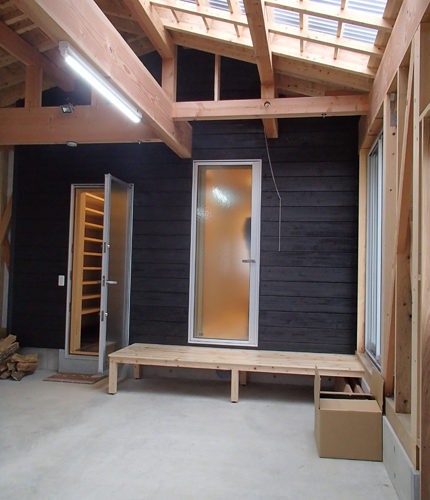 自然素材の家 ビルトイン車庫