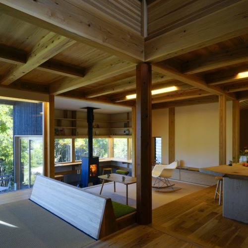 里山の木の家 リビング04
