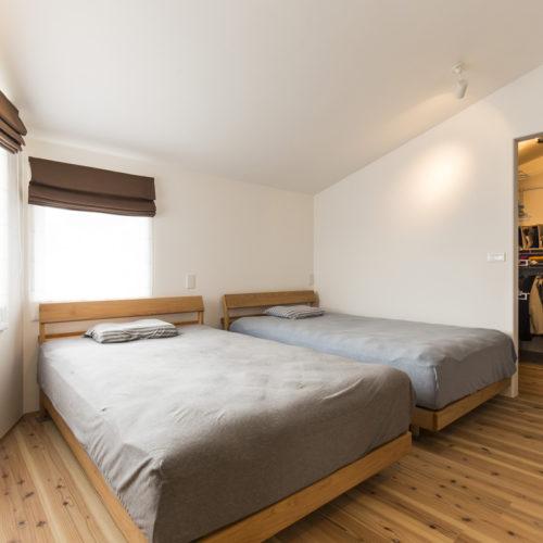 スキップフロアが生み出す贅沢空間の家 寝室