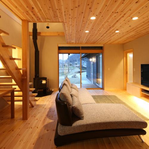 自然素材の家 リビング