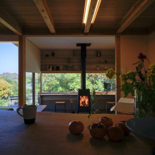 里山の木の家 暖炉の火
