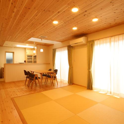 自然素材の快適3世代住宅 和リビング