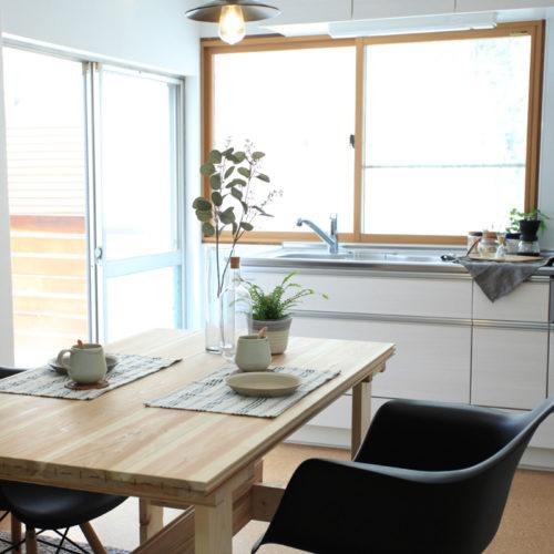 東難波思い出を残して暮らしやすくした家 ダイニングとキッチン
