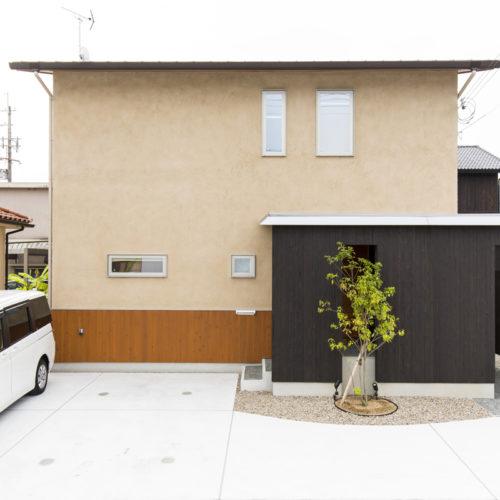 スキップフロアが生み出す贅沢空間の家 外壁