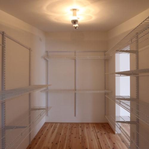 スキップフロアが生み出す贅沢空間の家 ウォークインクローゼット
