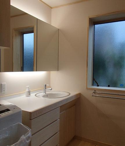 自然素材の家 洗面脱衣所