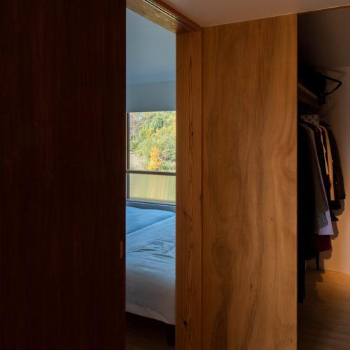 収納と寝室
