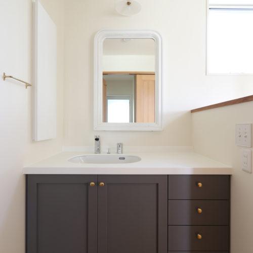 フレンチスタイルの洗面化粧台