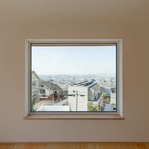 山手町の家-2階リビング窓