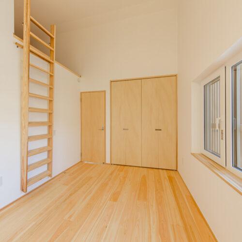 山手町の家-2階寝室