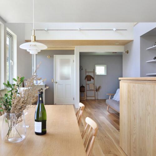 北欧デザインの照明や北欧雑貨が馴染むお家