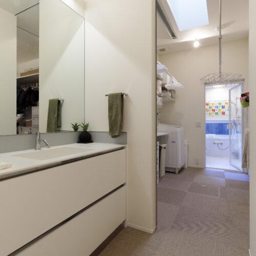 ⑦洗濯室-家事動線を配慮した洗濯室